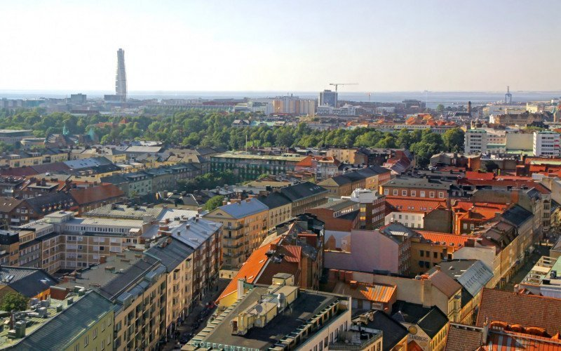 /assets/img/10872204-aerial-view-of-malmo-city-sweden.jpg