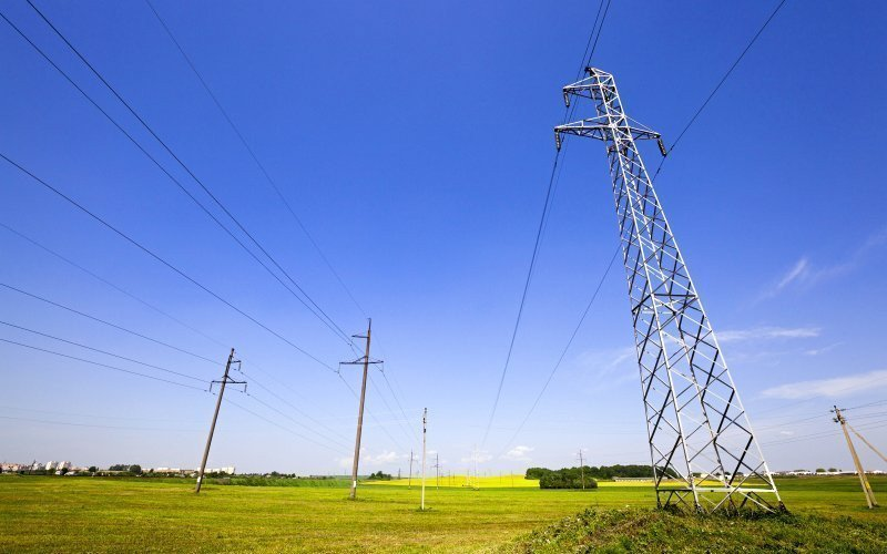 /assets/img/mostphotos/13593477-electric-line-in-the-agricultural-field.jpg