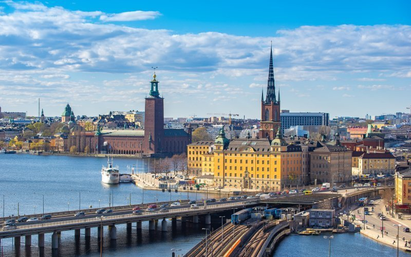 /assets/img/mostphotos/32480248-stockholm-skyline-with-view-of-gamla-stan-in-stockholm.jpg