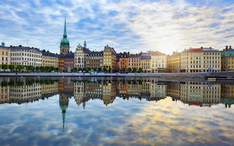 /assets/img/mostphotos/33038480-stockholm-sweden-july-07-2015-colorful-morning.jpg