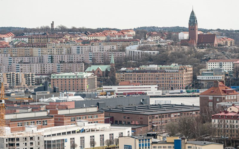 /assets/img/mostphotos/42236051-gothenburg-sweden-april-10-2011-masthugget-and.jpg