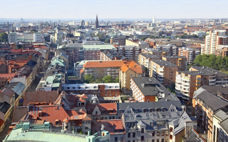 /assets/img/mostphotos/6362127-panoramic-aerial-view-of-malmo-sweden.jpg