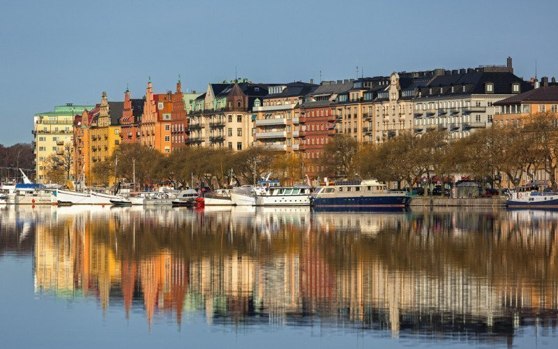 /assets/img/mostphotos/8078323-waterfront-apartment-buildings_.jpg