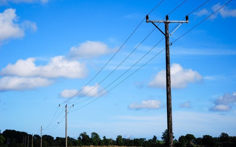 /assets/img/mostphotos/9757699-electric-lines-at-blue-sky.jpg